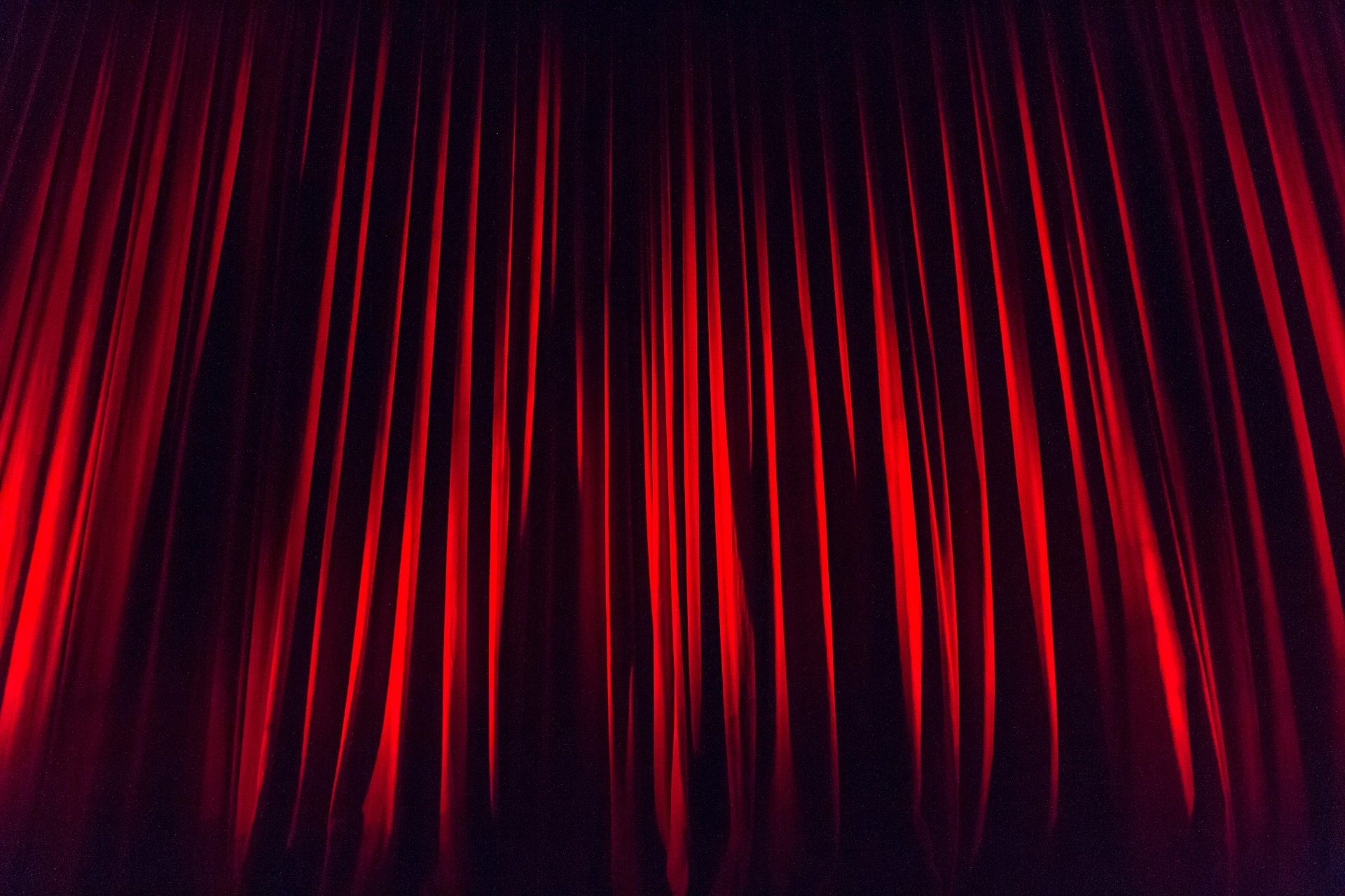 stage-curtain-660078_1920.jpg
